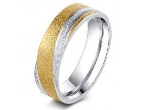 Pieskovaný prsteň z chirurgickej ocele, ryhy, vlna, dve farby