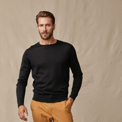 Čierny merino sveter
