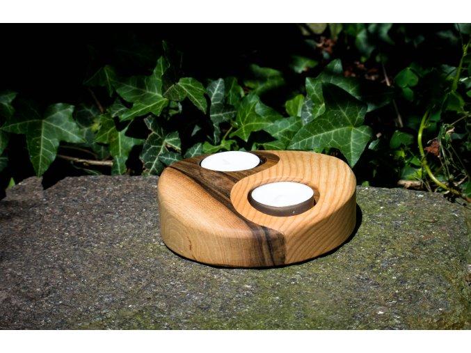 Svícen Jin&Jang ze dřeva 13x3cm
