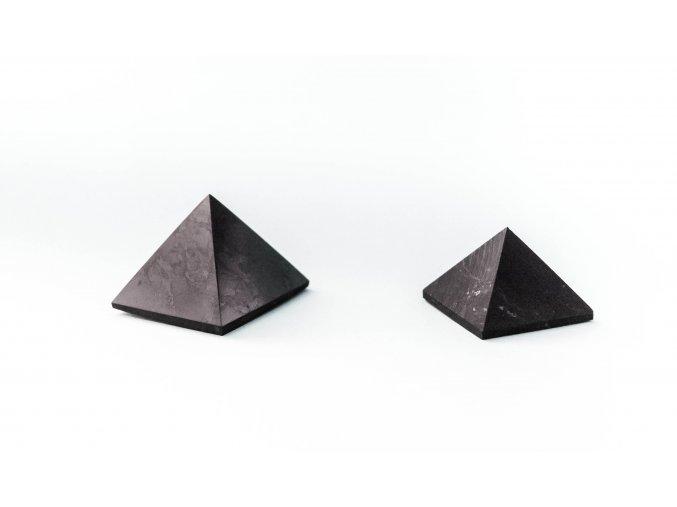 Šungit pyramida 50 x 50mm