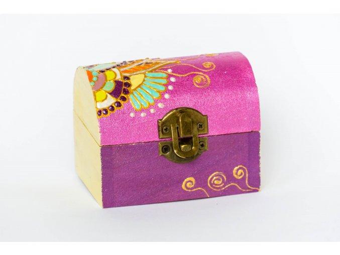 Krabička ve tvaru truhlice