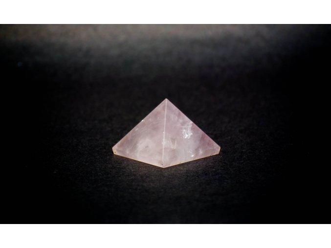 Pyramida Růženín  22x30mm
