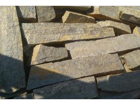 Gneis K8 - kámen pro zdění / náplň do gabionů