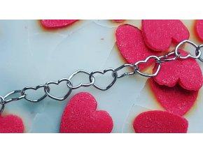Jemný  srdíčkový náhrdelník 50 cm