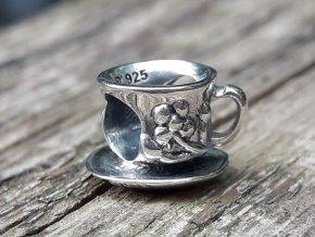 krásný čajový hrneček