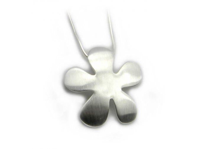 Prívesok strieborný kvet