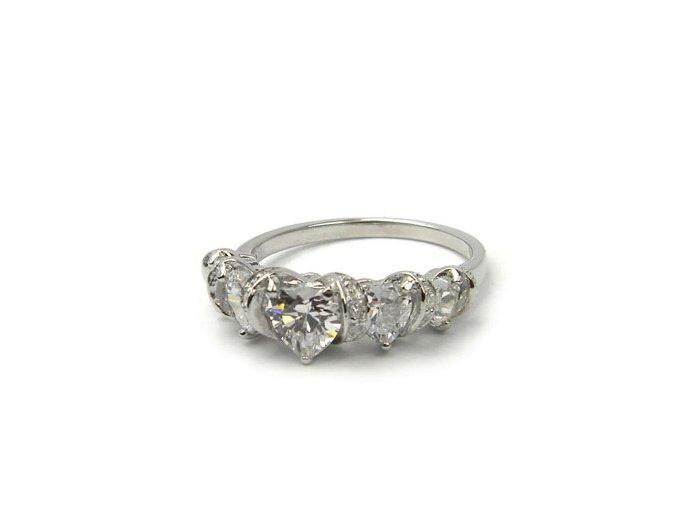 Zásnubný strieborný prsten srdiecka