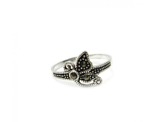 Strieborný prsten motýlik