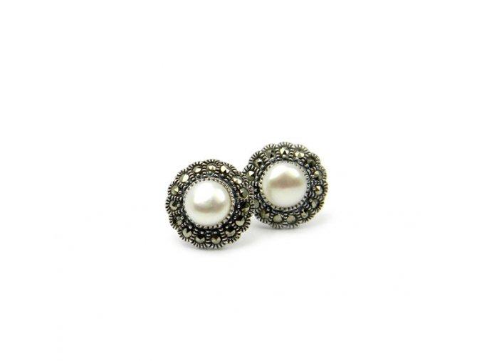 Strieborné perlové náušnice kvety
