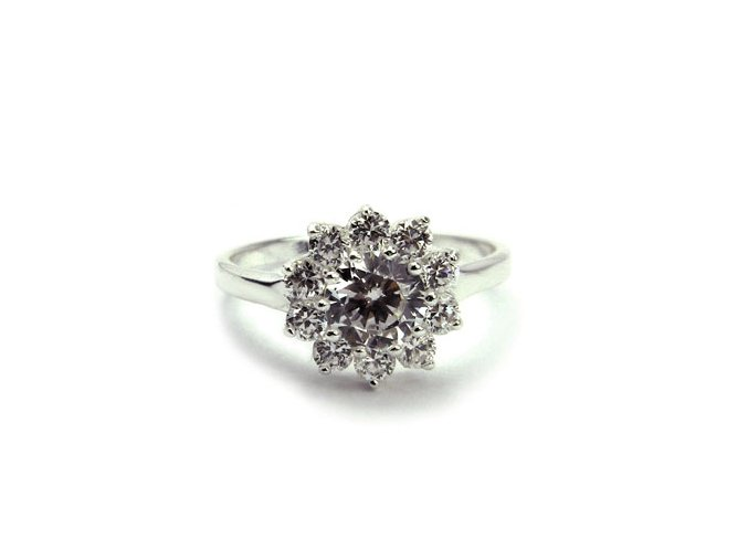 Strieborný prsten kvietok