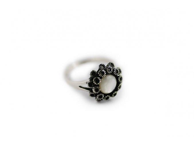 Strieborný prsteň kvet