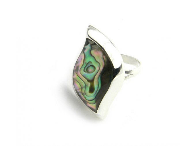 Strieborný prsteň zdobený Paua mušľou