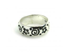 Prsten strieborný kvietky