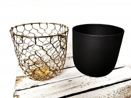 Černý květináč zlatě pletený