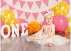První rok holčička