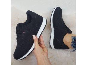 tenisky černé