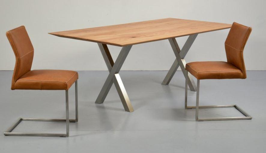 Stoly z bukového dřeva