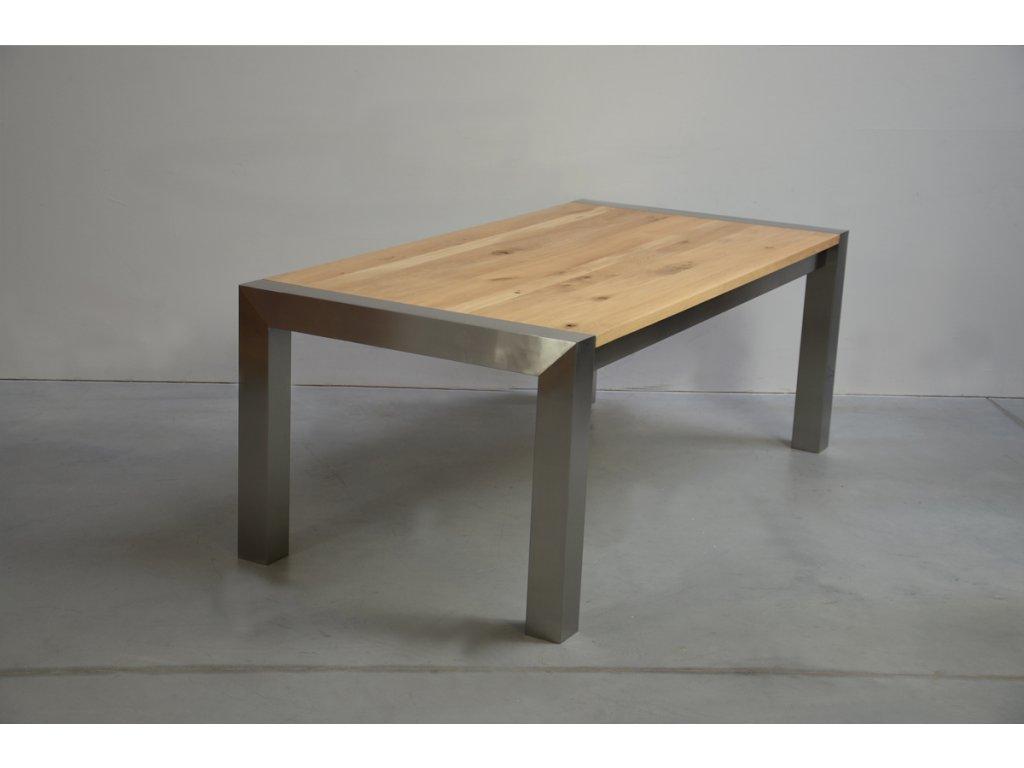 Rozkládací jídelní stůl z masivního dubového dřeva (délka 300 cm, šířka 120 cm, výška 80 cm)