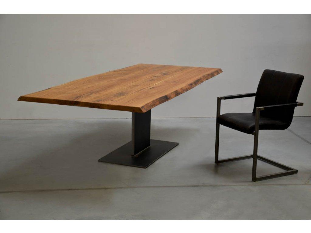 Jídelní stůl z dubového masivu (délka 300 cm, šířka 80 cm, výška 80 cm)