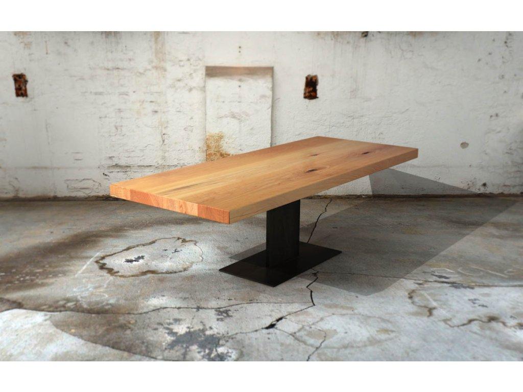 Jídelní stůl z bukového masivu