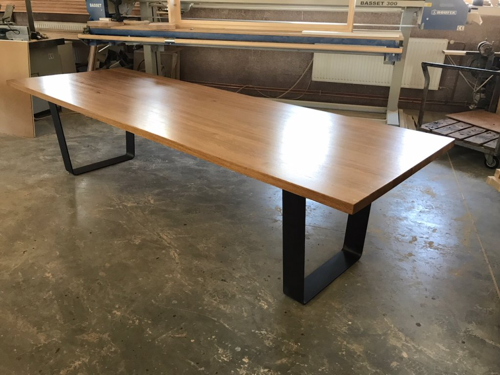 Stůl za masivu - DUB 40mm tloušťka (porvrchová úprav Tvrdý voskový olej) (délka 300 cm, šířka 120 cm, výška 80 cm)