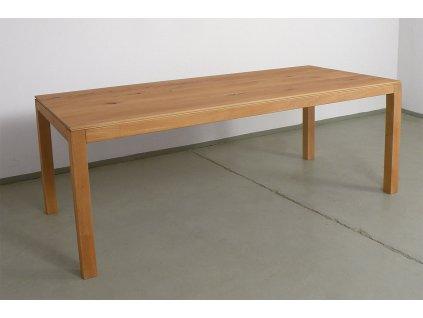 Masivní bukový jídelní stůl