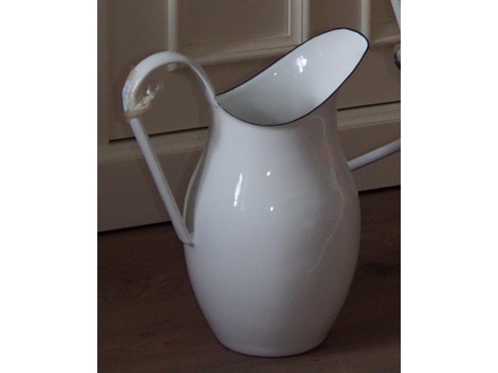 Smaltovaný džbán bílý