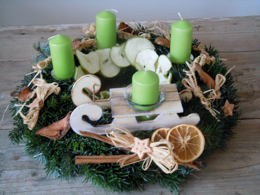 Jedličkový s jablíčkami do zelena