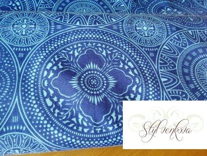 Tyrkysové mandaly na modré