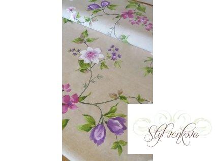 KVěty fialovo-růžové na přírodní