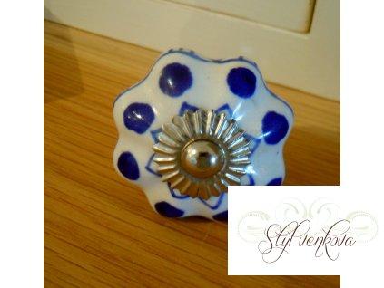 Porcelánová knopka