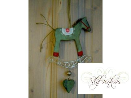 Koník se srdíčkem zelený