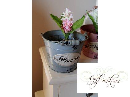 Plechový kyblíček na květiny