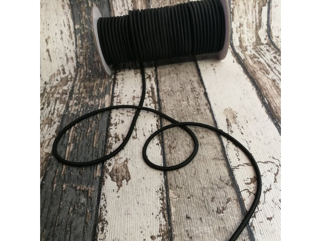 pruženka kulatá černá, 3 mm
