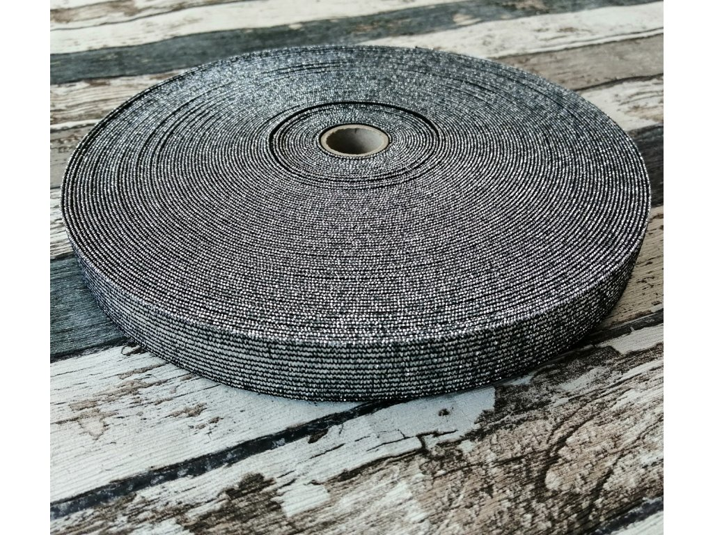 Hladká pruženka 20 mm stříbrná na černé