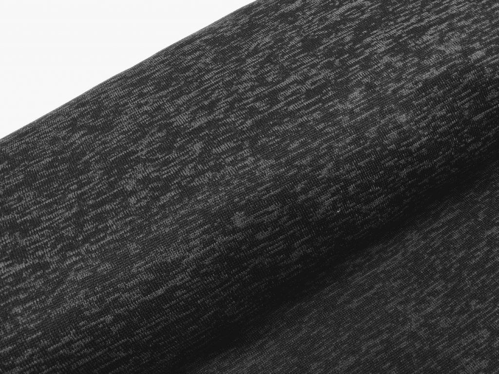 svetrovina černá