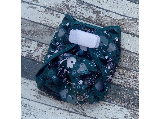 Novorozenecké svrchní kalhotky Yháček na SZ, Smaragdový chameleon