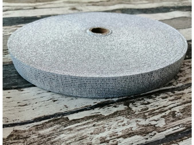 Hladká pruženka 20 mm stříbrná na bílé