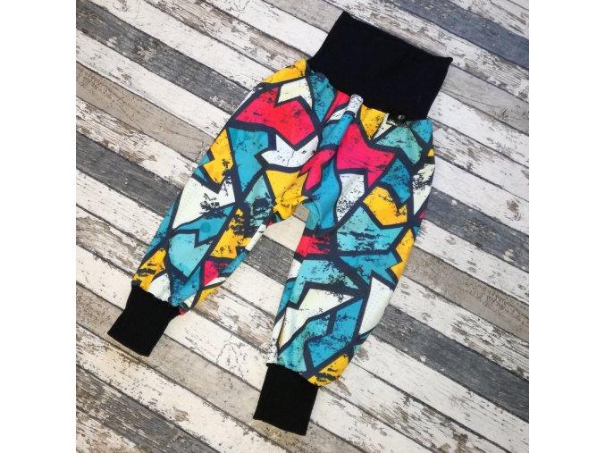 Zimní softshellové kalhotky Yháček, graffiti