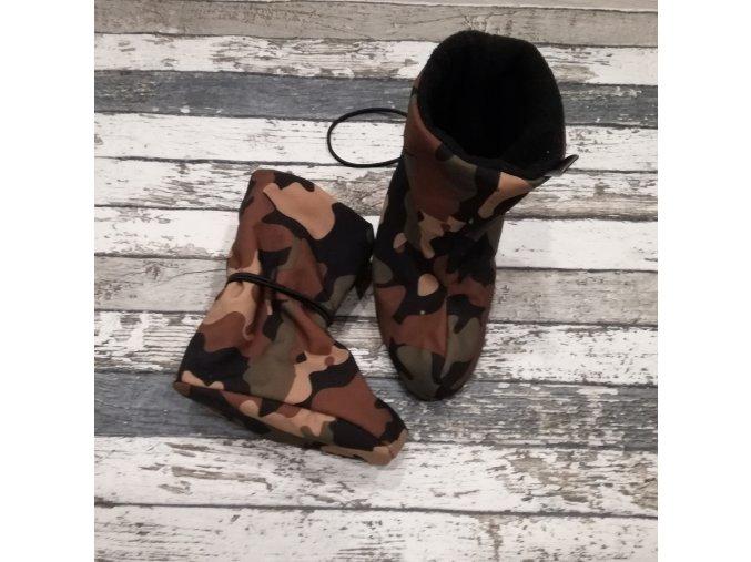 Nosicí botičky - válenky Yháček, flís, hnědý maskáč