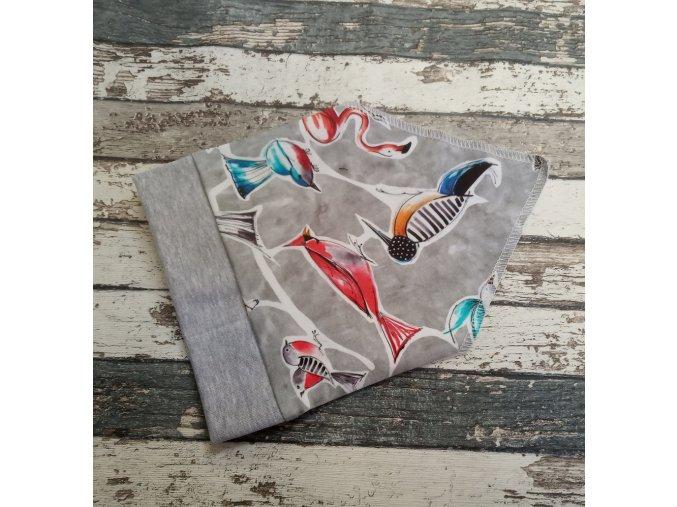 Šátek na hlavu Yháček, Ptactvo na šedé