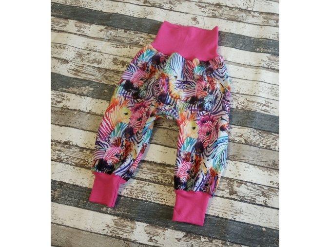 Zimní softshellové kalhotky Yháček, barevné zebry