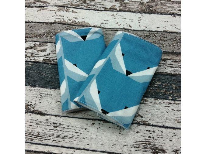 Chrániče popruhů na nosítko Yháček (slintáčky), modré lišky
