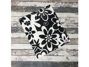 Pytlík Bamboolik, S, černé květy na bílé