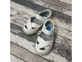 Boty Little blue lamb, White girls sandals