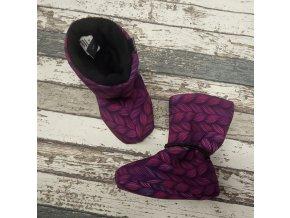 Nosicí botičky - válenky Yháček, černý flís, fialové lístky