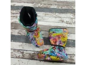 Nosicí botičky - válenky Yháček, černý flís, barevní motýlci