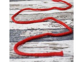 červená plošší