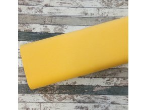 pastel žlutá