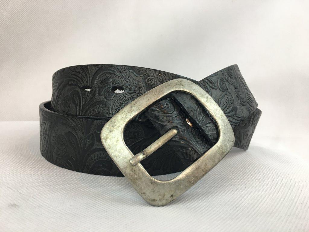 Pásek kožený černý se vzorem